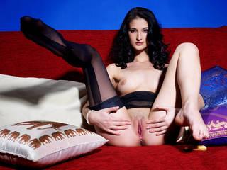 Die meisten hypnotischen erotischen Fotos mit Ton Mom